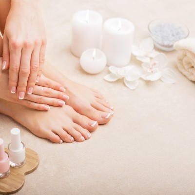 10 Pedicure Curativo-estetico/trattamento +40 Manicure Top