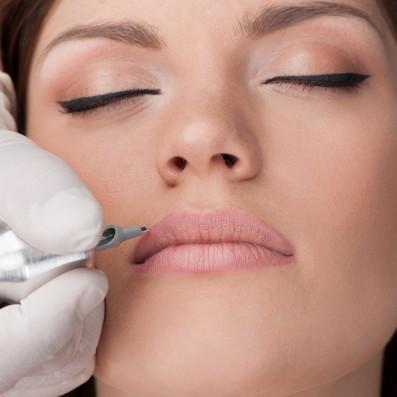 Trucco Semipermanente Labbra Contorno Ritocco
