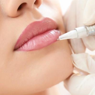 Trucco Semipermanente Combinato Labbra Riempimento e Ritocco